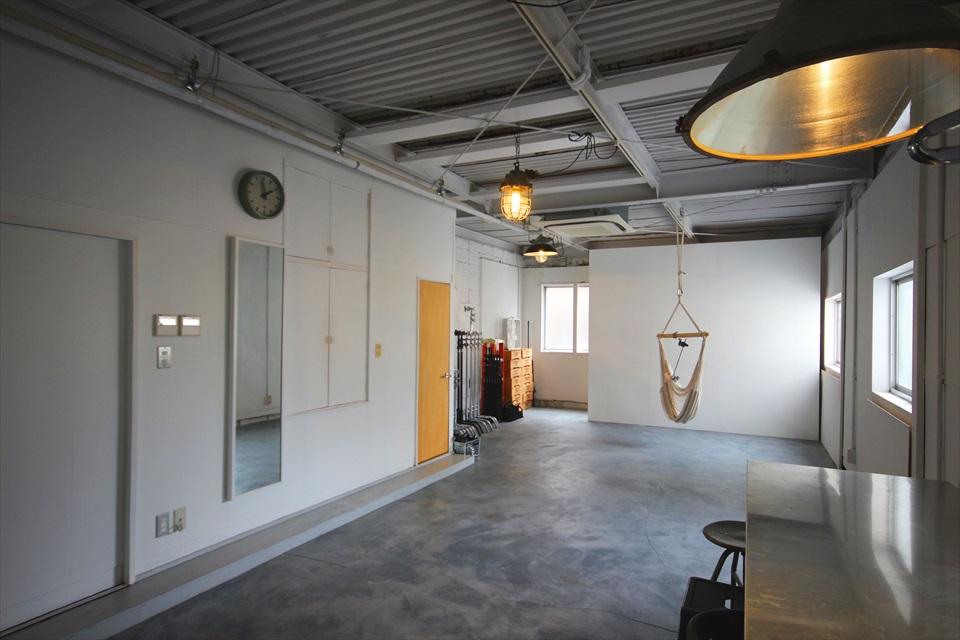 簡ビル室内 シンプルで力強いデザイン