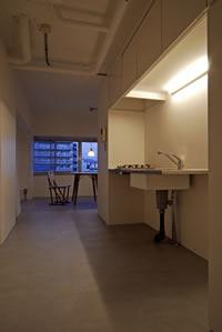 キューブにはキッチン・浴室など水周りが集約。