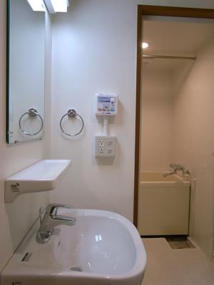 設備一新!なんと、浴室換気暖房乾燥機まで!!