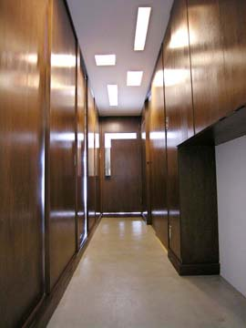 廊下は土間。それだけで使い勝手はとても広がります。