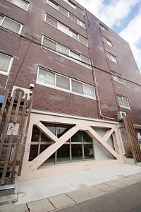 築100年を目指し1階に設置された耐震ブレース