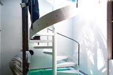 清川ロータリープレイスに螺旋階段が出現